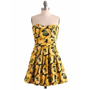 Bouquet of Style Dress in Celandine in M